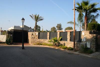 Venta flexible venta alquiler chalet en urb pino grande for Alquiler de casas en urbanizacion tarazona sevilla