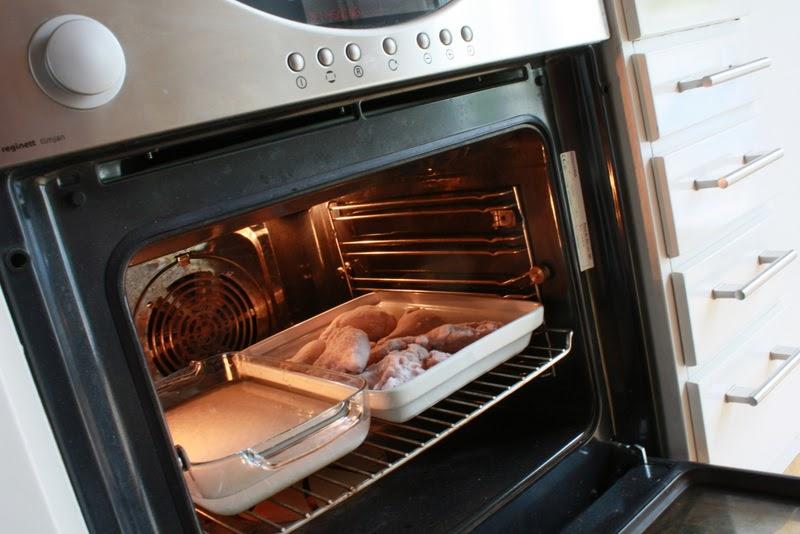 värma mat i ugn temperatur