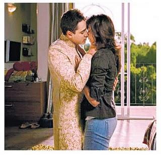 Deepika Padukone & Imran Liplock Smooch Scene in Upcoming ... | 320 x 310 jpeg 31kB