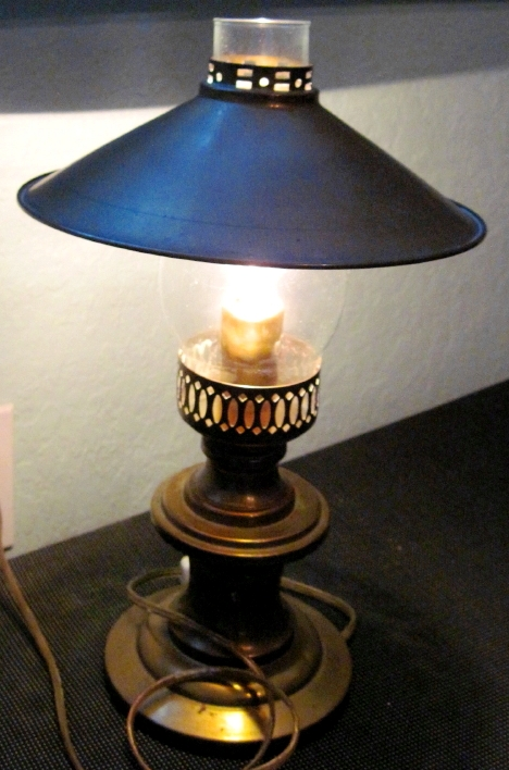 For Old Time S Sake Antique Brass Aladdin Electric Lamp