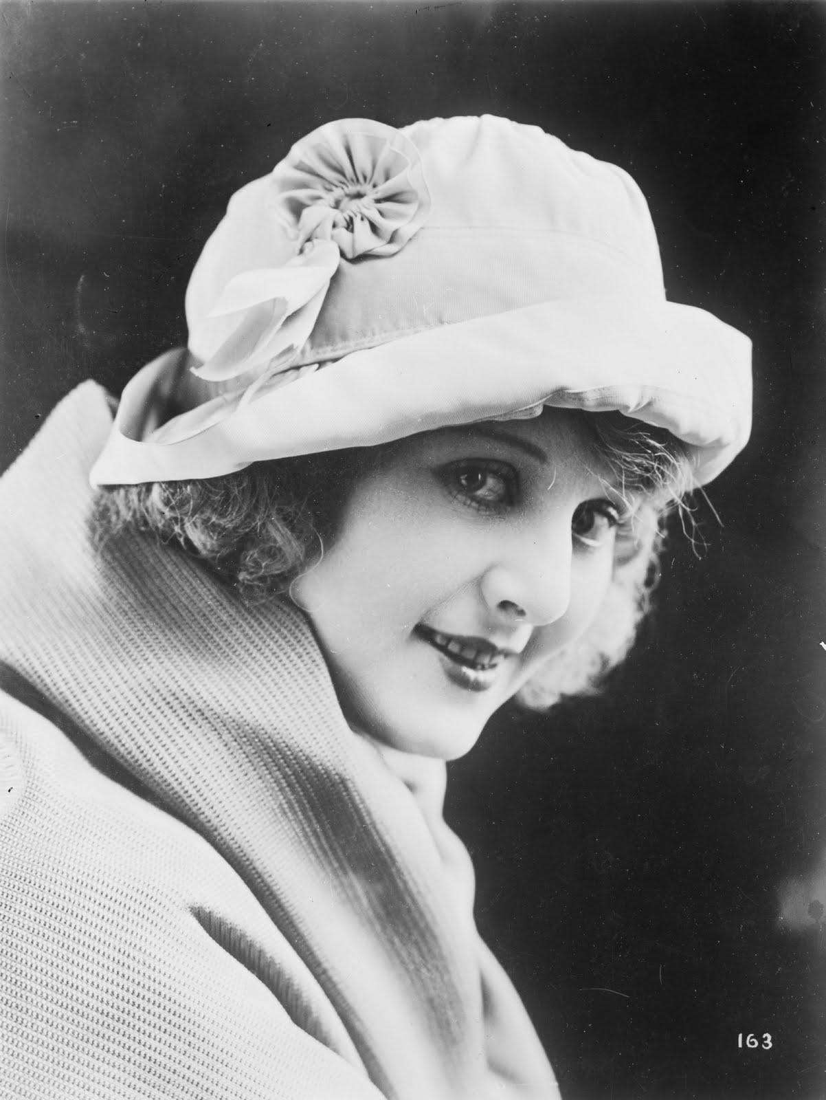 Vintage Actress Photos 113