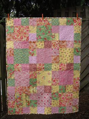 Meisje nine-patch dekenje bij Ayala Levinger voor Reuvinger Quilt en Hobby