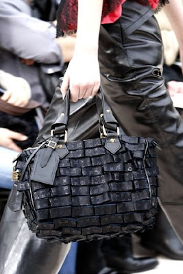 6ce6cb9e9b64 LV seems to prescribe to the same bag aesthetic as Valentino here. I know