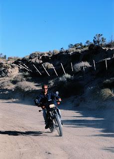 Avemtura en Moto en el camino a la lobería de Punta Pirámides