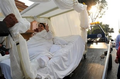 The Worlds Heaviest Man Manuel Uribe Has Been Getting Much Attention Lately After Shedding Weight From 560 Kg To 310 Guy