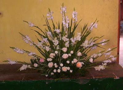 Dígalo Con Flores Arreglo Floral En Forma De Abanico