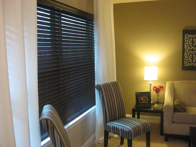 How to Paint Blinds – How To Build It| How to Paint Your Blinds, Paint Blinds, Easy Home Upgrades, Home Improvement Hacks, DIY Home, DIY Home Improvement, DIY Home Hacks