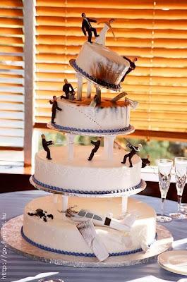 Weird Wedding Cakes Wedding Dresses And Cakes