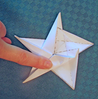 How to Make an Origami Star Box (with Pictures) - wikiHow | 320x315