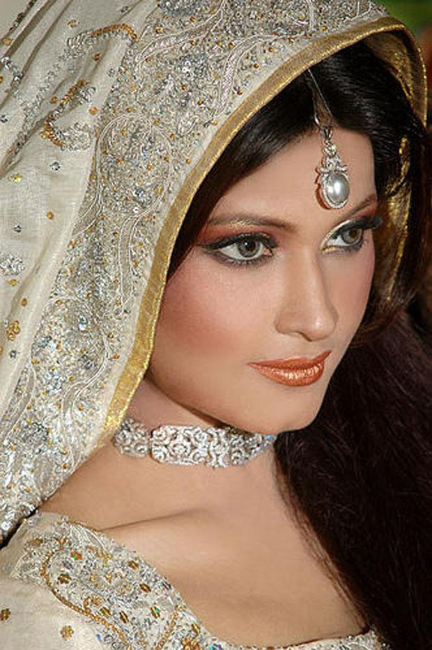 pakistani latest dresses makeup jewelry bridal brides bride dress dulhan beauty weddings indian bridals eye pretty lipstick arabic looks