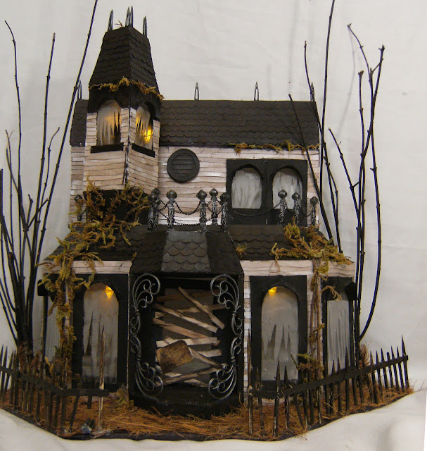 Potatoez N Pineconez Haunted Halloween Mansion