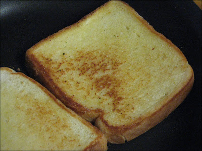 how to cook homemade garlic toast om grill