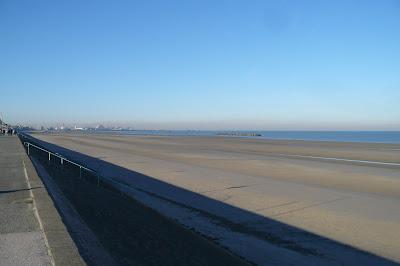 plage de dunkerque à marée basse par pierre-yves gires