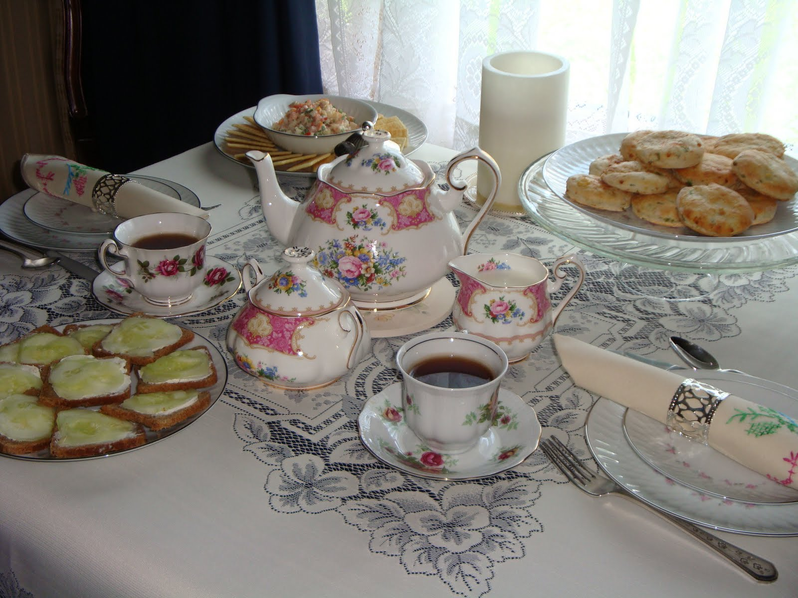 Teaparty: Palaver From Pellie & Genghis Khat: Victorian Tea Party