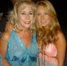 http://4.bp.blogspot.com/_W2__7InPLRE/RtHI4zP9JII/AAAAAAAAAFA/2PuVdFIjiwM/s400/GERALDINE+LAURA+ZAPATA.jpg