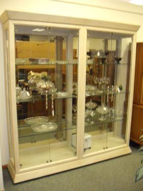 Quality Resale Home Furnishings Awesome Henredon Glass Display Cabinet Curio