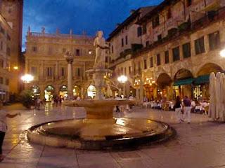 Beautiful Piazza Della Erbe Verona Italy