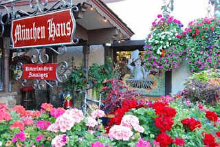 Flowers Munchen Haus Leavenworth Washington USA