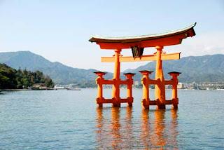 Floating Torii Gate Itsukushima-jinja Miyajima Japan