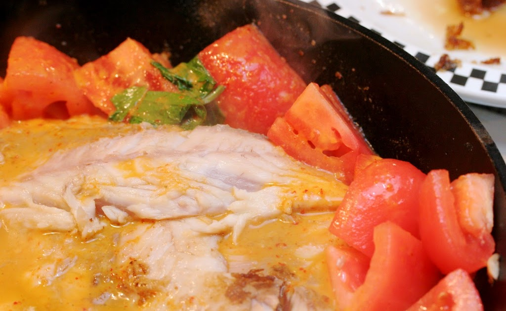 Two Fat Als: Red Snapper With Thai Curry Sauce
