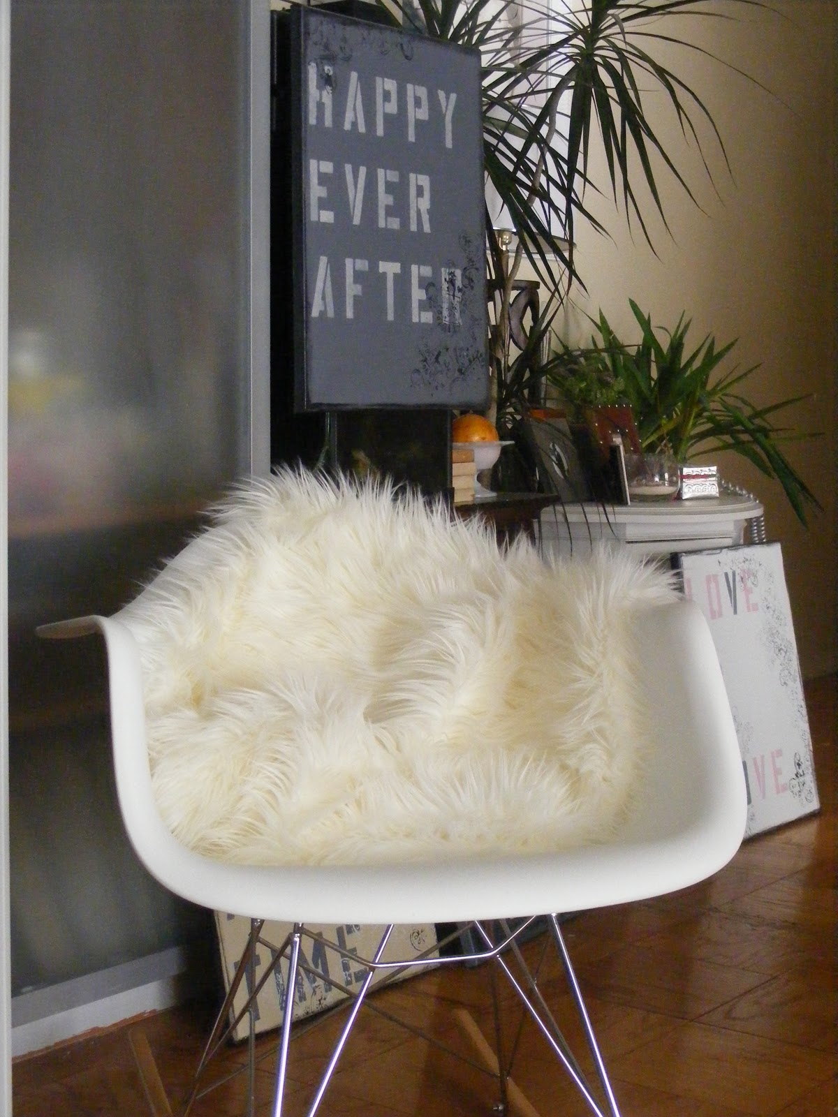 Sheepskin Rug On Chair Wicker Wingback Chairs Soul Pretty Interior Design Ideas Designer