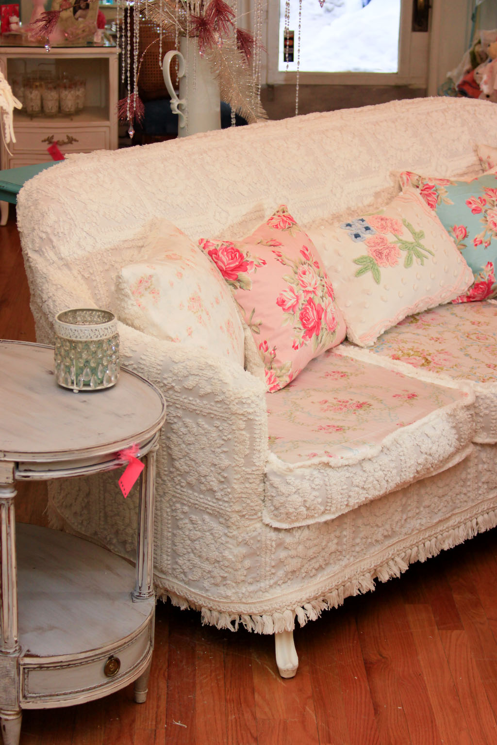 Vintage Chic Furniture Schenectady NY: OMG! Antique Sofa
