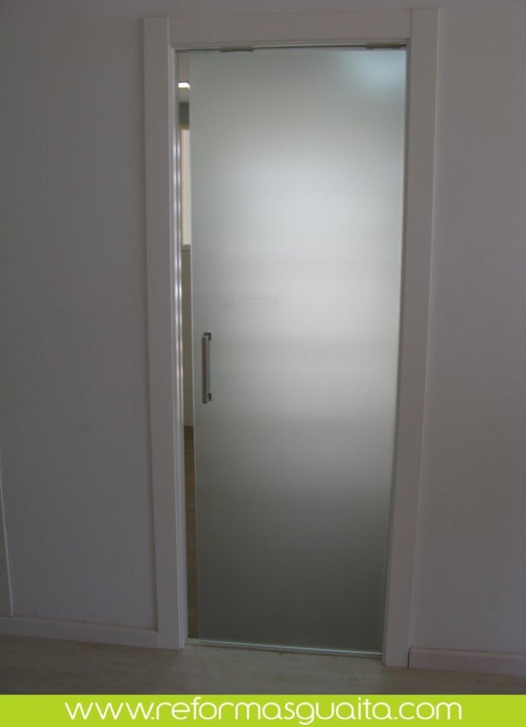 Puertas correderas de cristal reformas guaita - Puerta cocina cristal ...