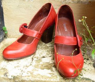 3cf0956a8ad De røde sko