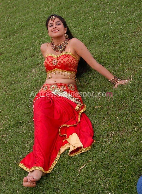 Bombay Actres Madhurima Hot Sexy Navel Show Stills-5377