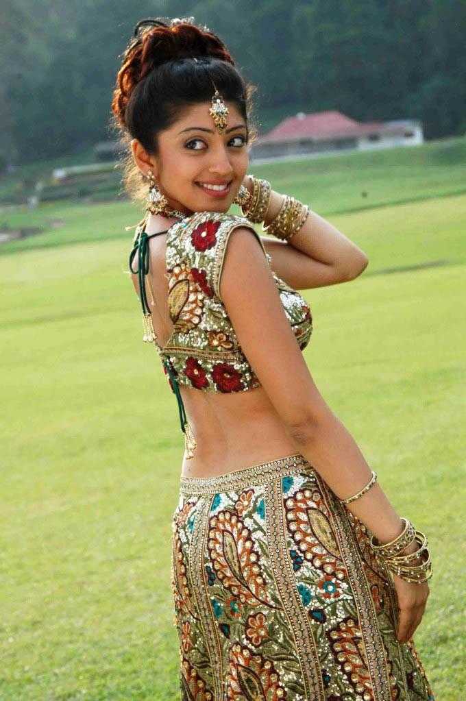 Telugu Actress Pranitha Hot Navel Show Stills | Sexy Woman