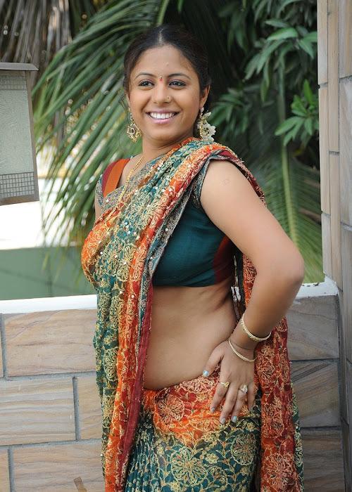 sunakshi plumpy in saree actress pics