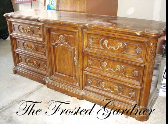 The Frosted Gardner The Thomasville Bedroom Set