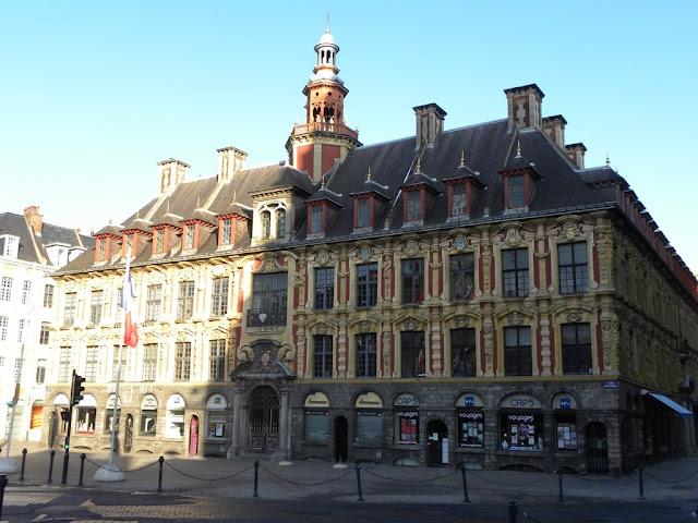 Place General de Guale Lille Vieille Bourse