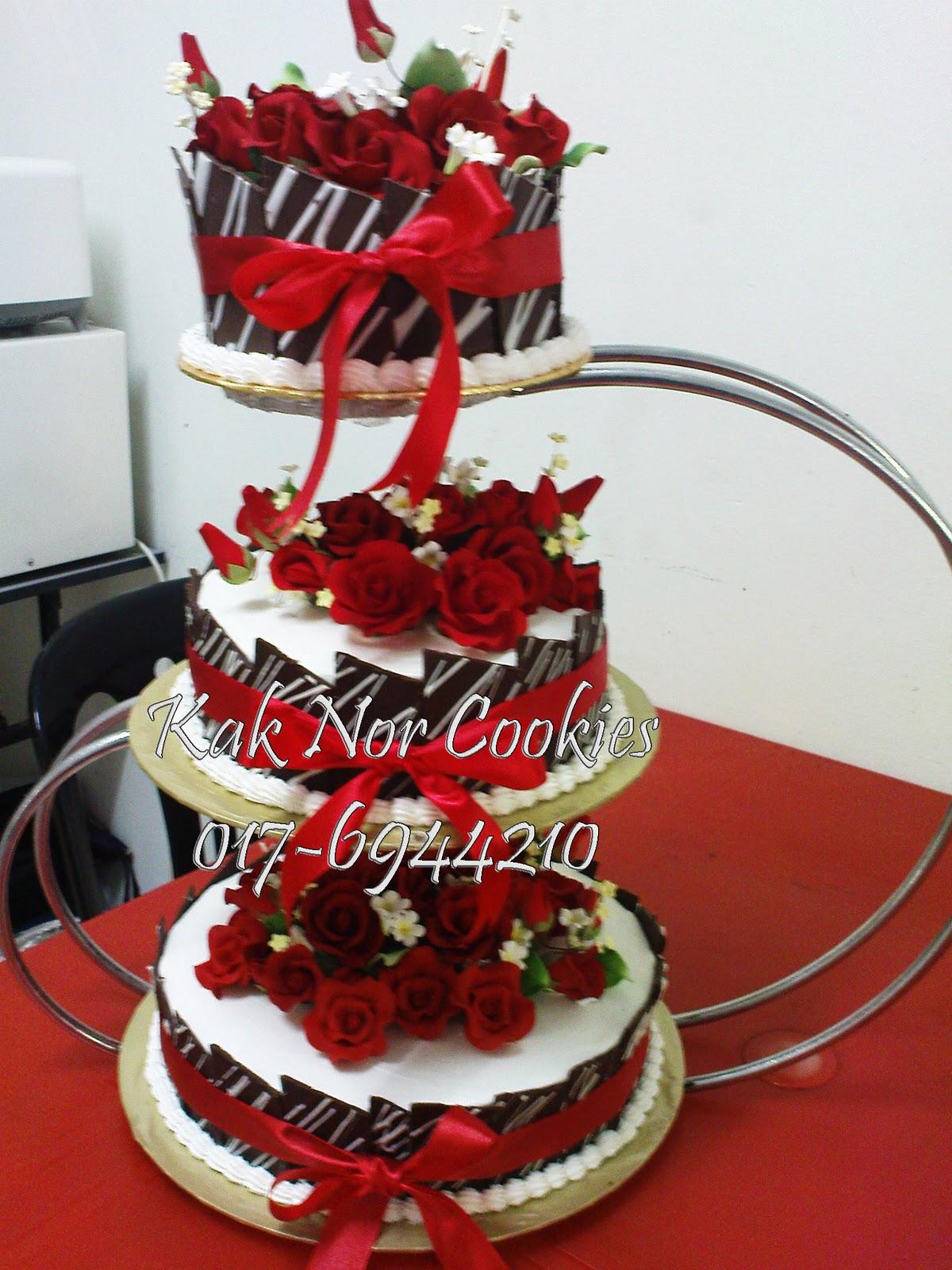 KAK NOR COOKIES Kek Perkahwinan  Tema merahhitam n putih