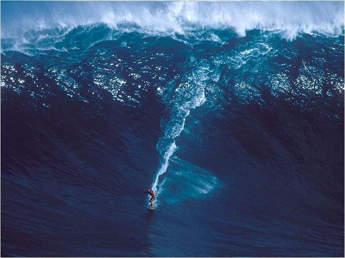 Just Cool Pics: Surfing Giant Waves