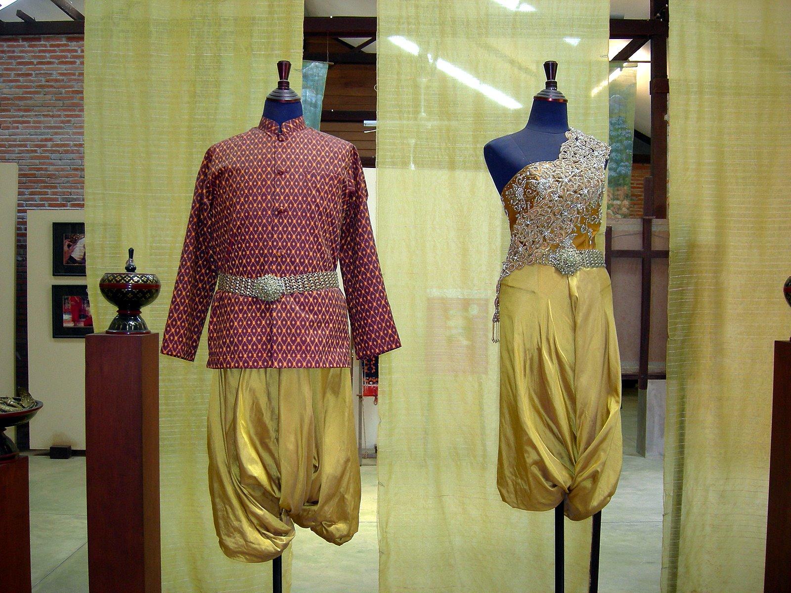 Malaysia And Cambodia 48 Artisans D Angkor 3 Silk