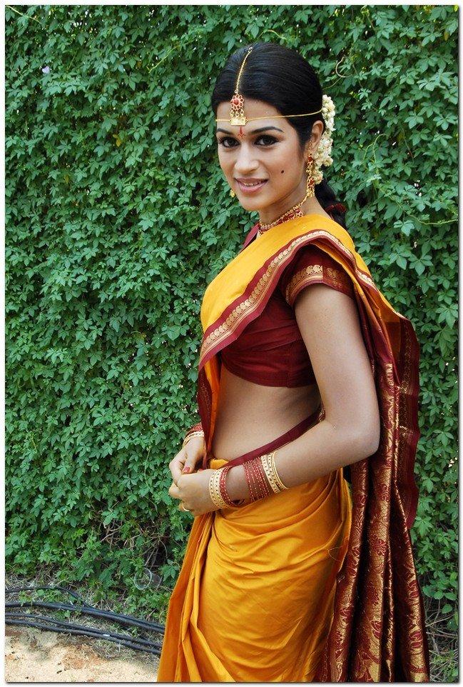 Actress Shraddha Das Yellow Saree Photos | Actress Saree ...