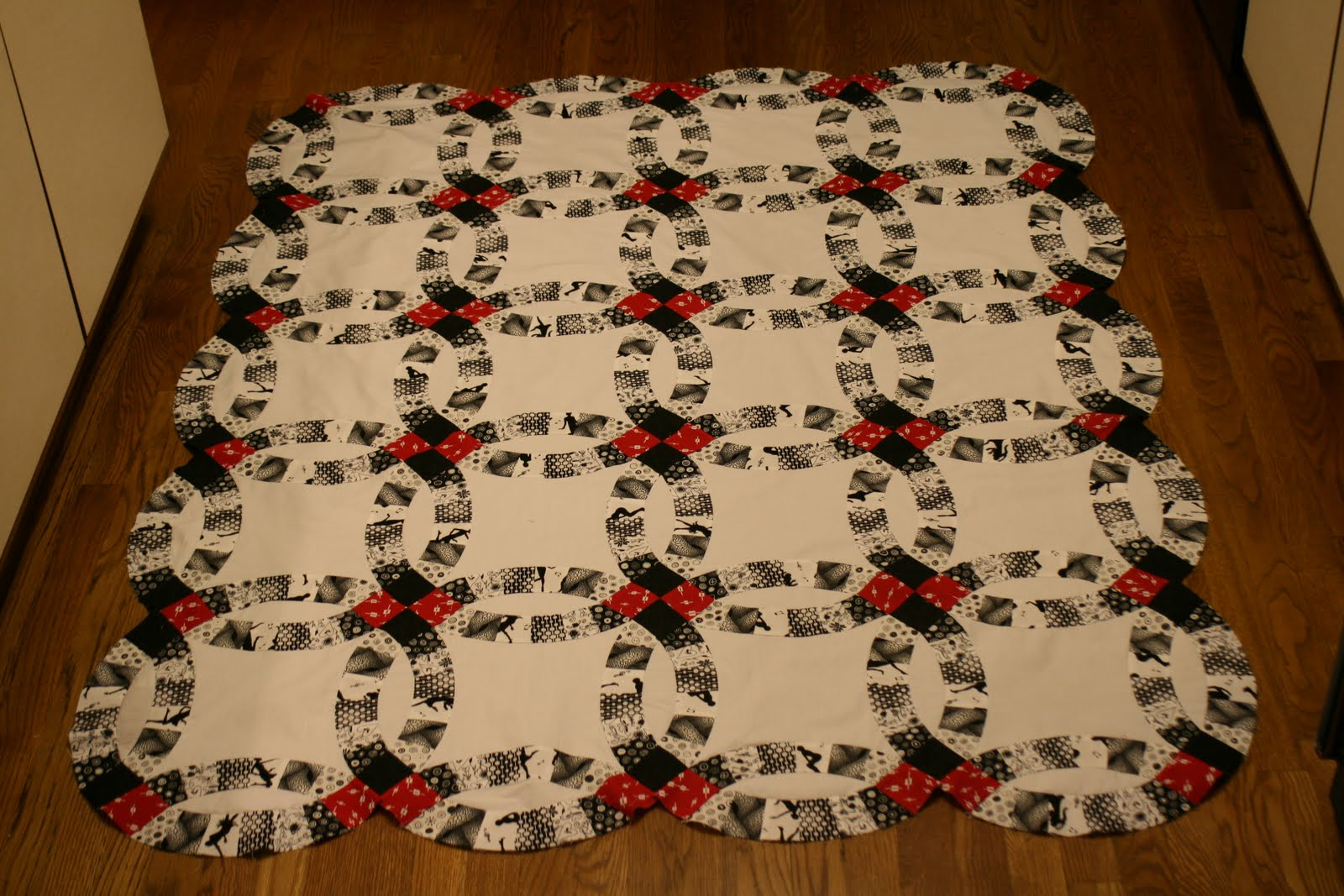 Cotton Creek Sewing Double Wedding Ring Quilt Pieced