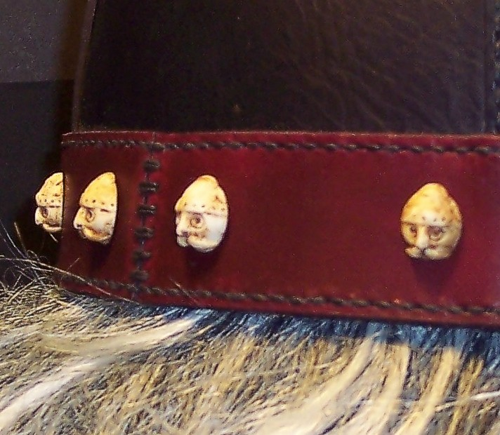 Tom Banwell—Leather and Resin Projects: Making Imitation Ivory Buttons