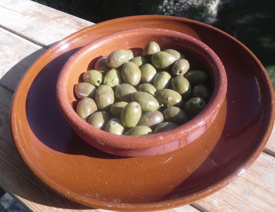 como preparar olivas negras partidas