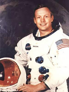 real black holes spaceship neil armstrong - photo #14