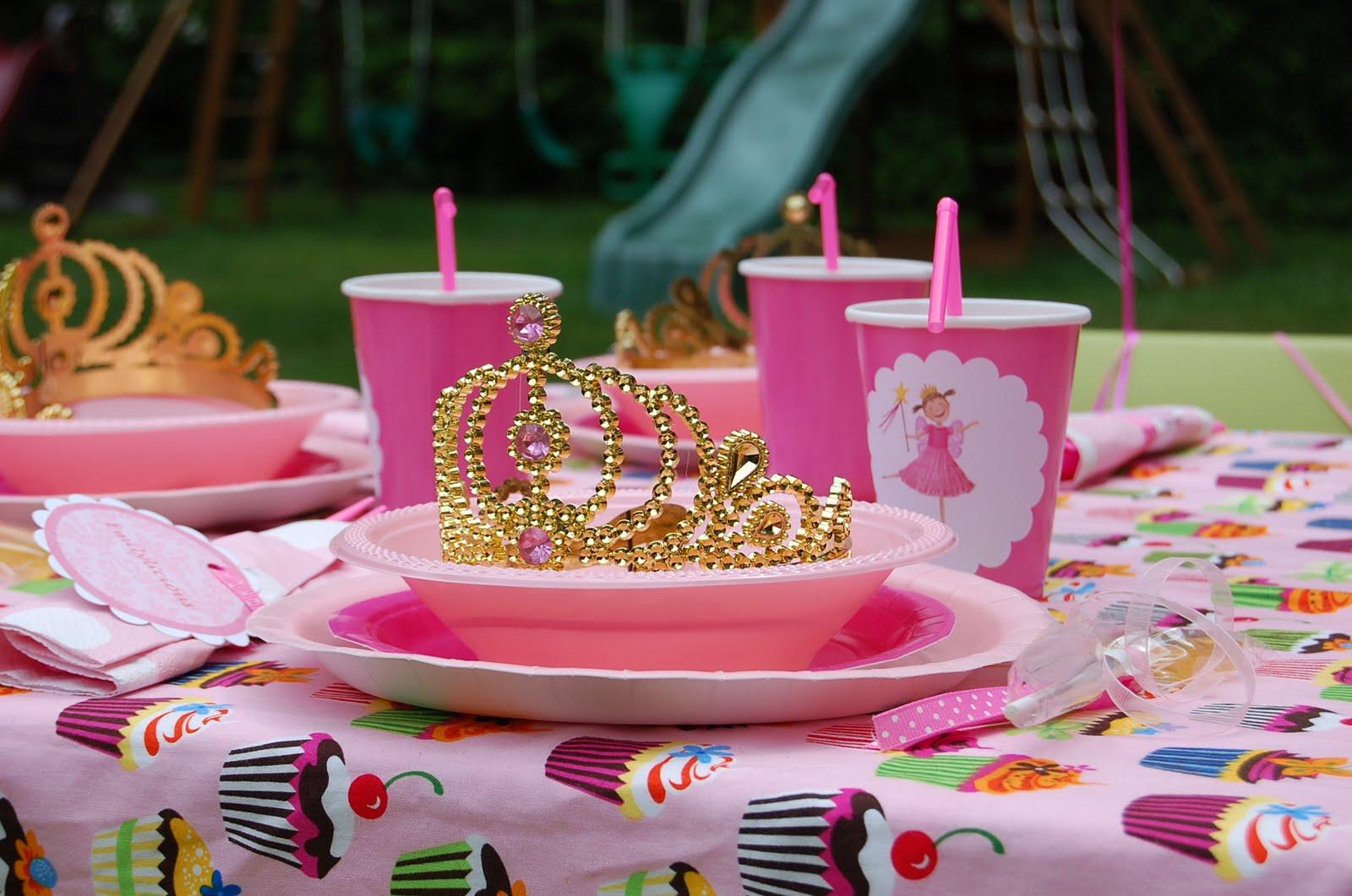 stylish childrens parties pinkalicious inspired party 2 rh stylishchildrensparties blogspot com