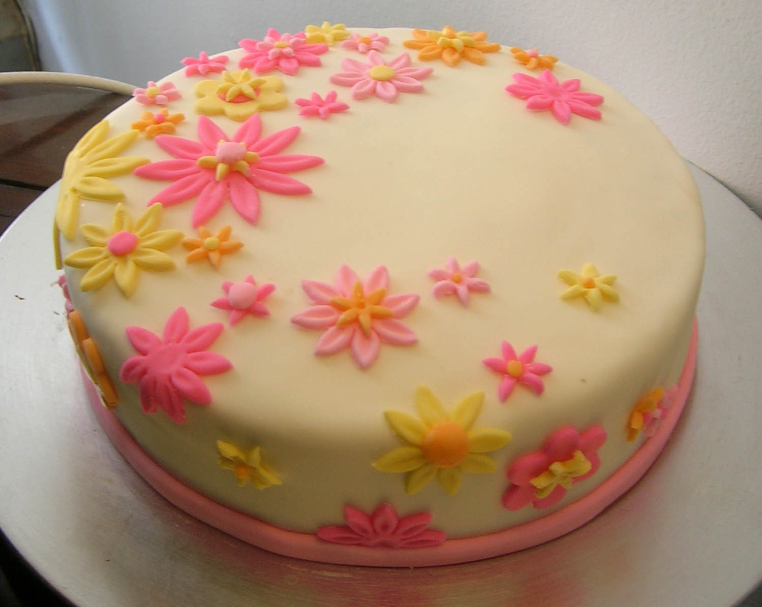 Decorated Spring Flowers Cake Gardening Flower And Vegetables