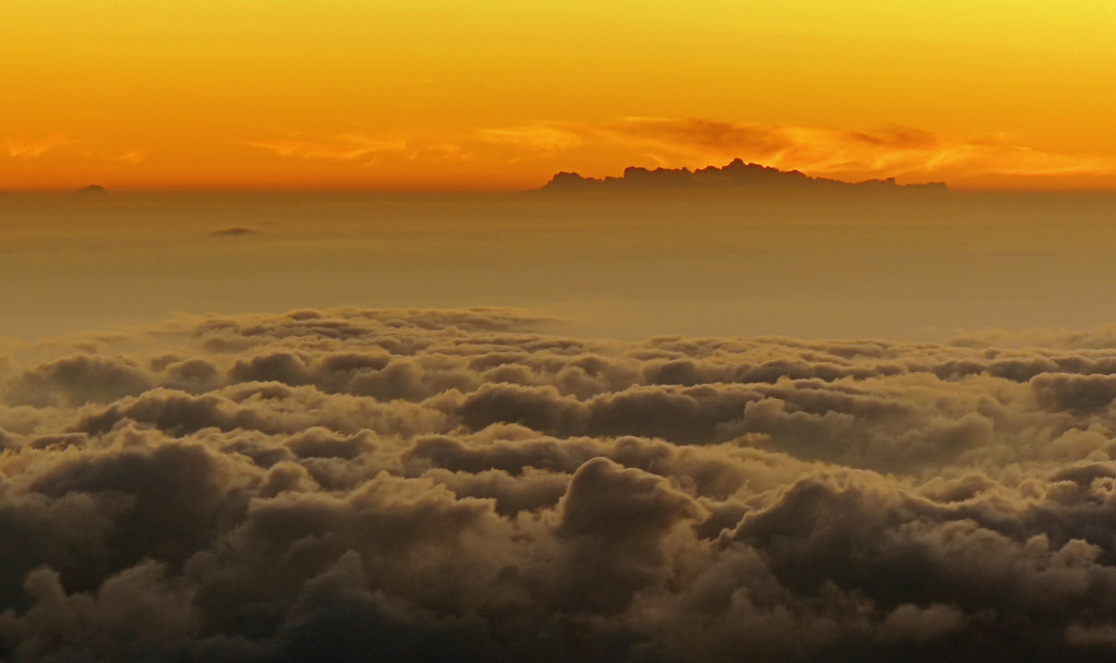 a pacific view above the cloud layer