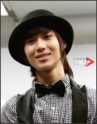 31f0cf0811f wi wa guai giu is coming...: happy belated birthday to taemin oppa