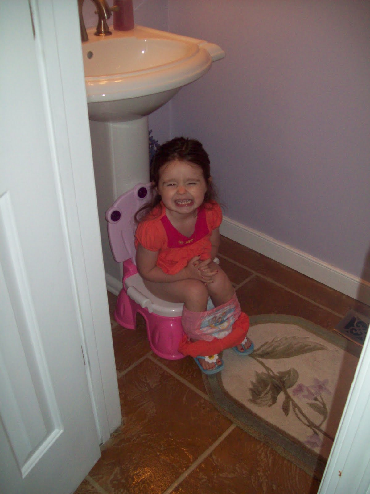 naked-girl-pooping-on-a-boy-inside-the-shower
