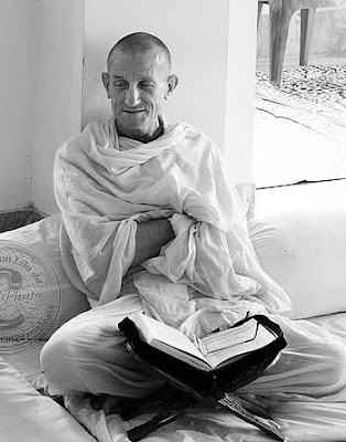 Devotees Vaishnavas: HH  Satsvarupa das Goswami: In