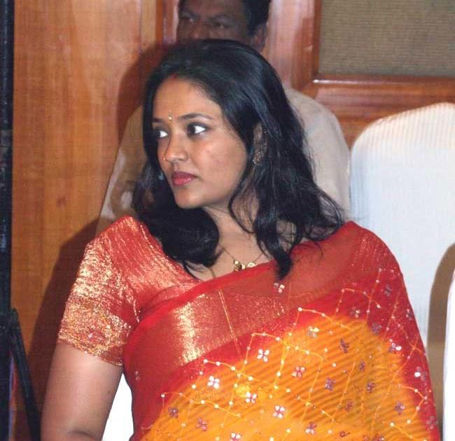 Ranjitha: Popular Hairstyles Trend