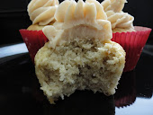 Banana Cupcake With Honey-Cinnamon Frosting