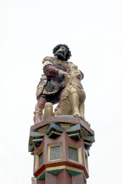 Berna-Statua
